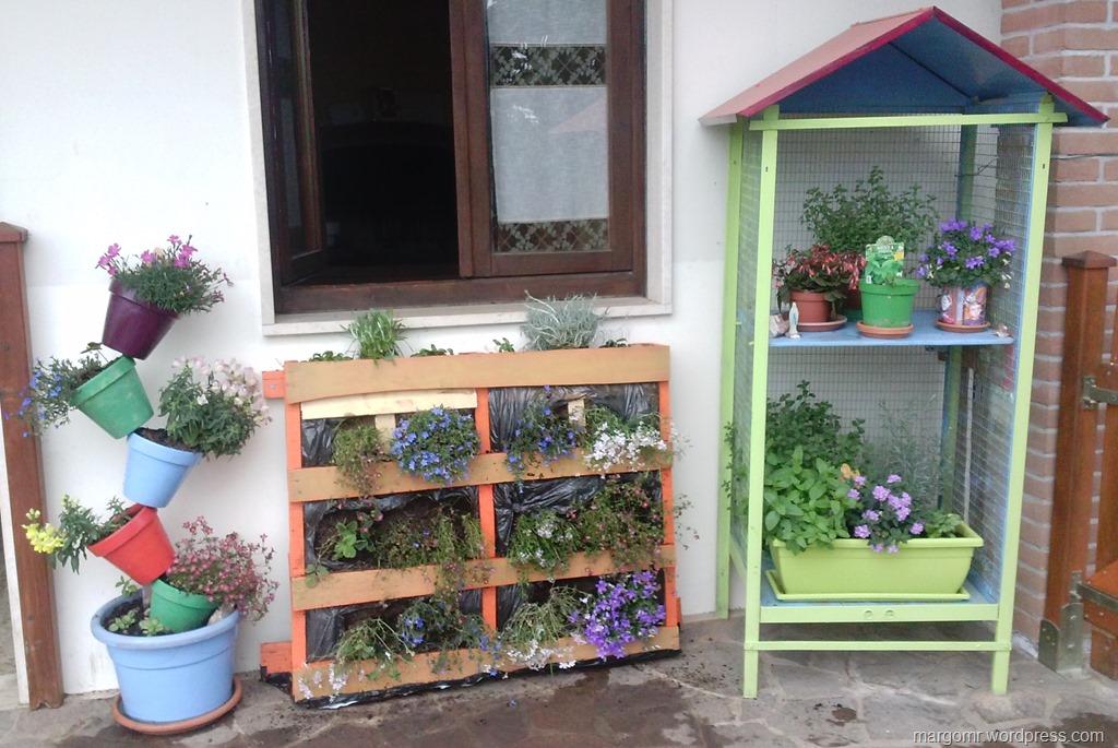 Giardino verticale e fioriera voliera la magia dei colori in cucina e non solo - Giardino verticale in casa ...