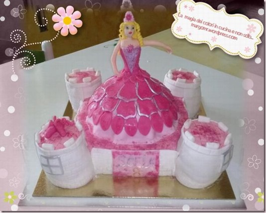 un castello per barbie e le scarpette rosa