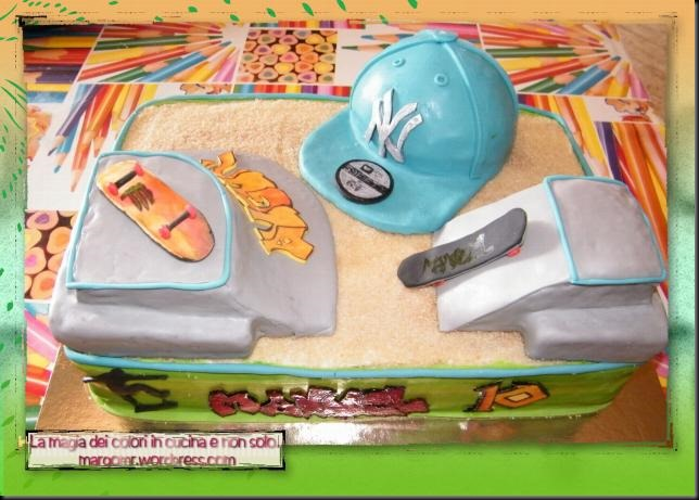 torta skateboard con capellino ny da sopra